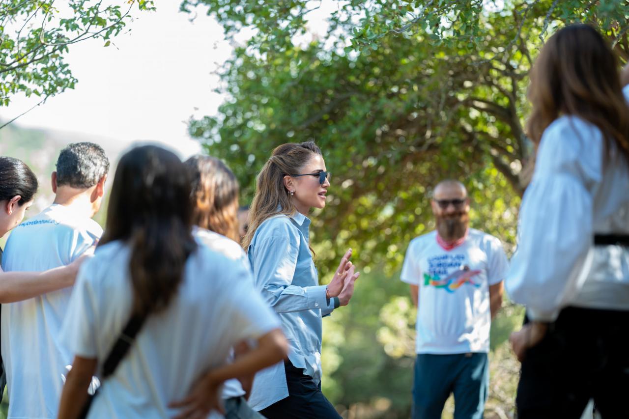 الملكة رانيا تشارك في جزء من مسار درب الأردن في برقش